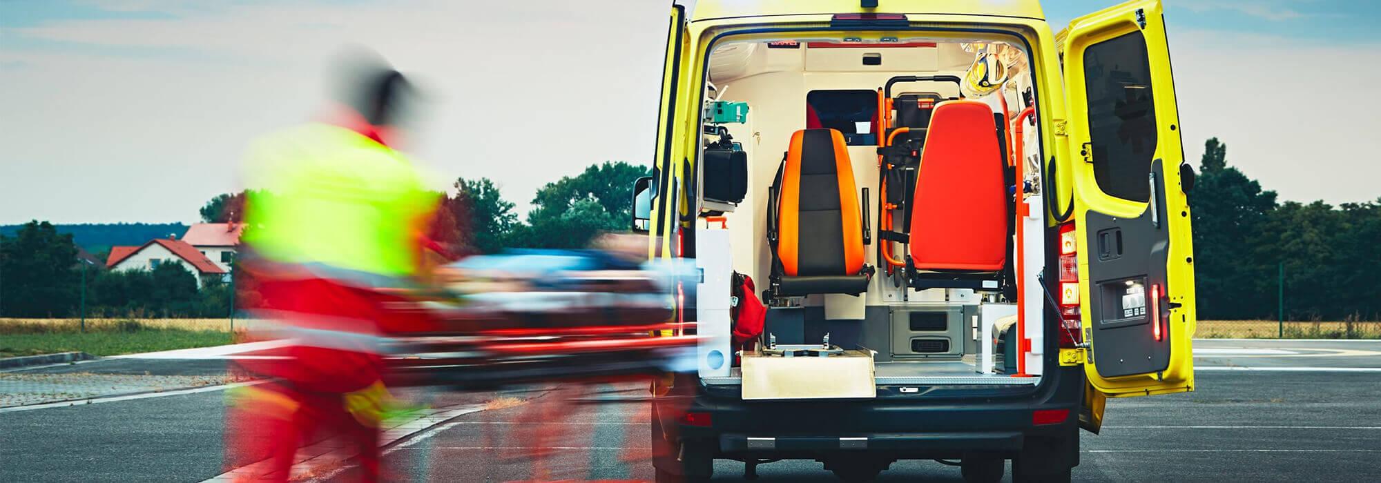 Ambulance avec un patient sur un brancart